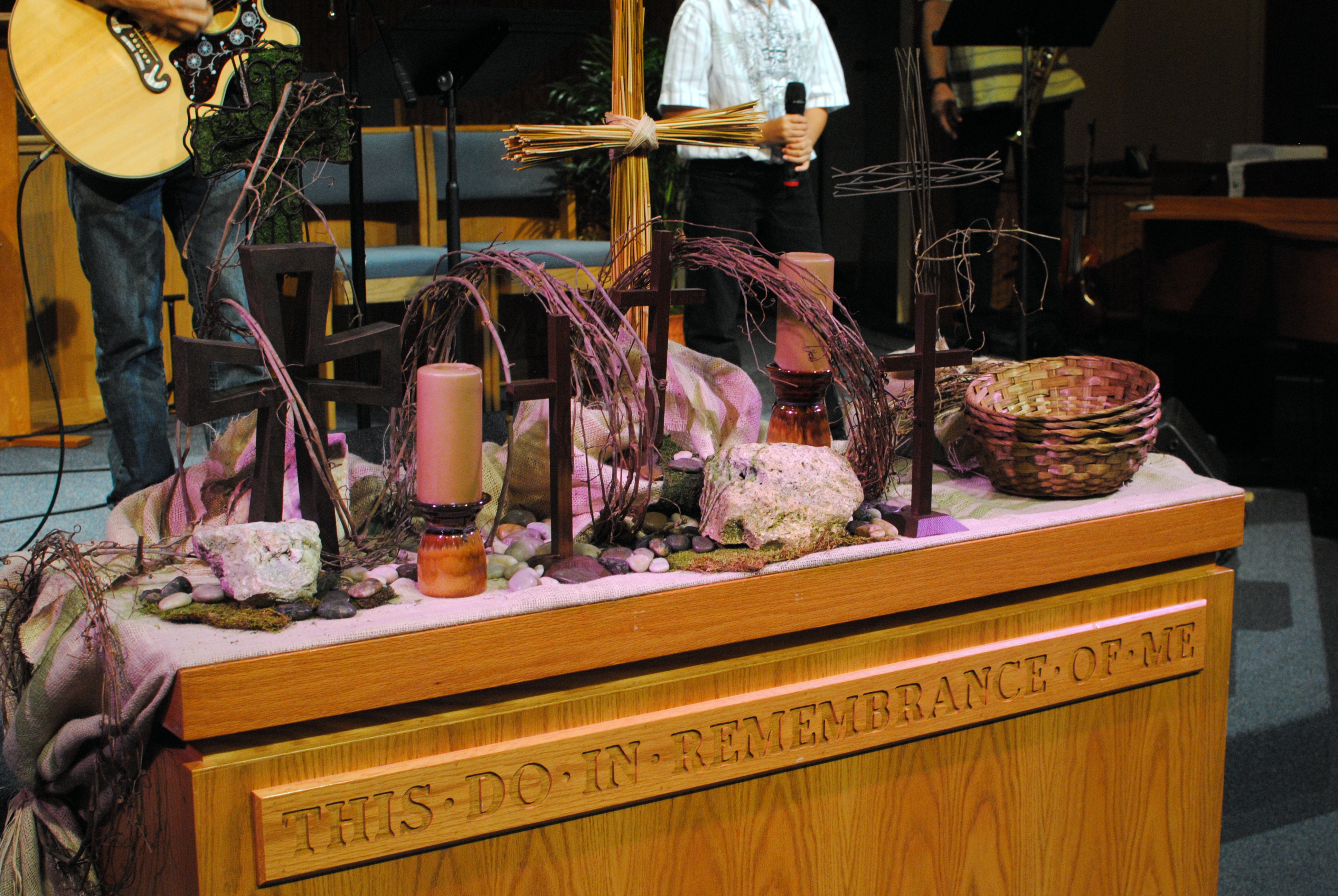 Altar table ideas turning the word for Lent decorations for home