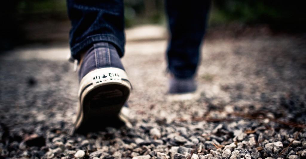 walk-shoes-walking-feet-grey-gravel-1-1024x534