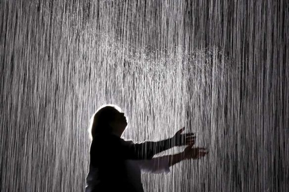 Rain-Room-REUTERS-Lucy-Nicholson-courtesy-of-n1-865x577