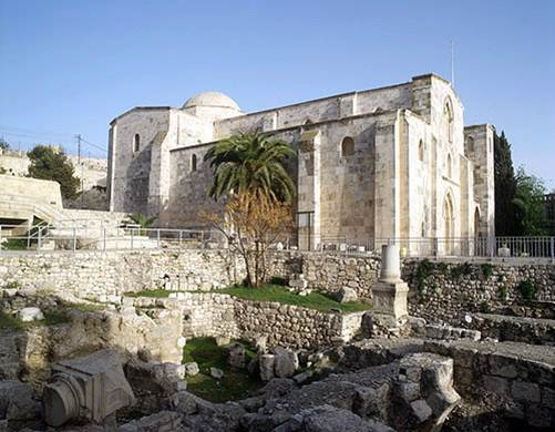 st anne jerusalem exterior with ruin