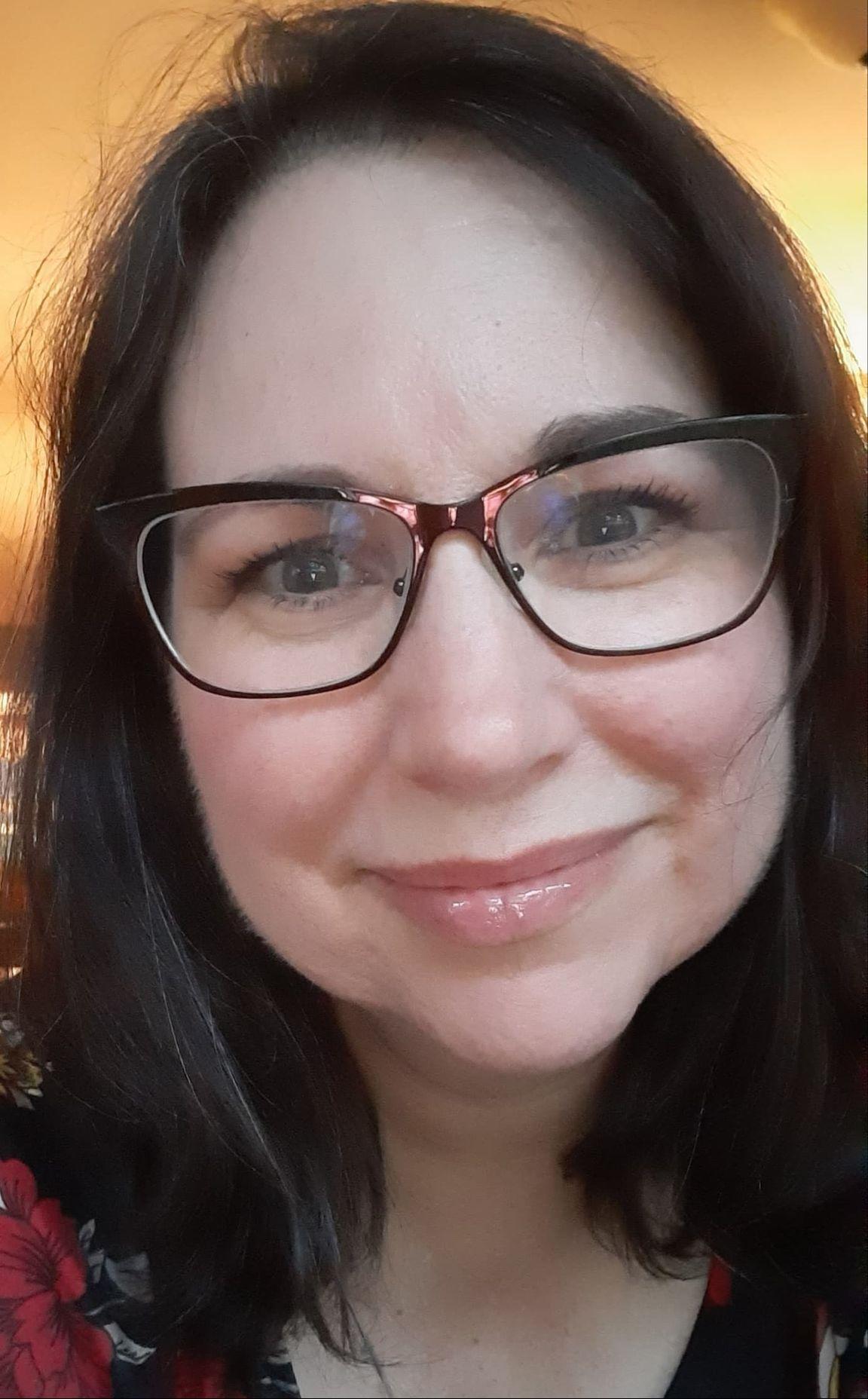 Lisa headshot selfie 2020 10 21